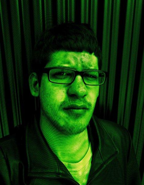 thomas-ostrowski-self-portrait