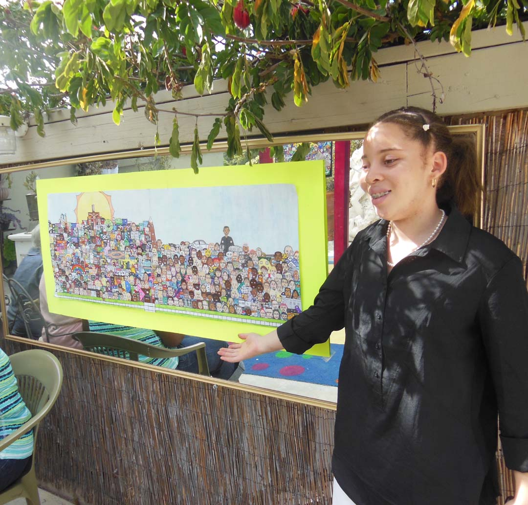 "Syance with her art piece ""Randomisity"""